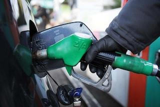 Benzina e diesel, rincari record nell'ultimo anno: +5,2% rispetto a 12 mesi fa