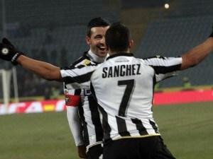 Di Natale e Sanchez festeggiano un gol