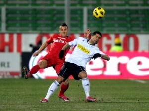 Probabili formazioni Cagliari-Cesena 2011: duello tra Jimenez e Pisano