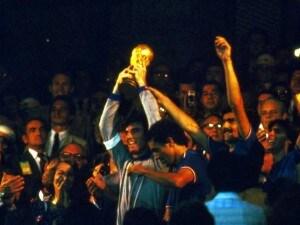 L'11 luglio 1982 al 'Bernabeu' l'Italia ha vinto il suo terzo mondiale. La squadra di Bearzot, con i gol di Paolo Rossi, Tardelli ed Altobelli, sconfisse in finale la Germania.