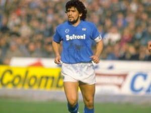 Il 30 giugno 1984 il Napoli annuncia l'acquisto di Diego Armando Maradona. Ferlaino versò nelle casse del Barcellona 13 miliardi di lire. Sono passati ventotto anni, ma l'amore tra Maradona e il Napoli è sempre rimasto intatto.