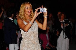 Valeria Marini si scatena all'Ischia Global Fest 2013 (FOTO)