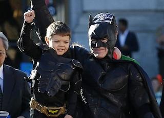 Bimbo malato di leucemia diventa Batkid e salva San Francisco (VIDEO/FOTO)
