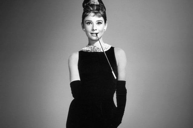 7e0b2d192a2f Quante di voi hanno sognato guardando i vestiti, le scarpe e i gioielli  delle dive di Hollywood nei film che hanno fatto la storia del cinema?