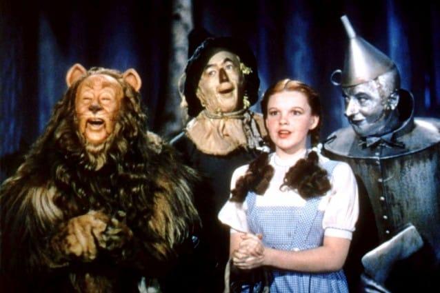 """92061c337144 Chi non ricorda il leggendario film """"Il mago di Oz"""" di Victor Fleming del  1939? La pellicola è ispirata a """"Il meraviglioso mago di Oz"""", il primo dei  14 ..."""