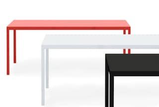 """Il tavolo """"Passepartout"""" versatile e minimale"""