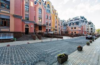Vozdvyzhenka: il quartiere fantasma dove i milionari hanno paura di vivere (VIDEO)