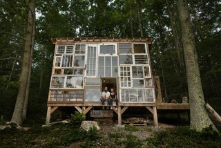 Due cuori e una capanna, di finestre