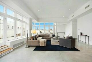 L'attico di Rihanna a New York vale 39mila dollari al mese