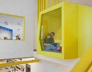 A Stoccolma un colorato asilo dai mille nascondigli