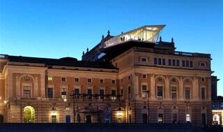 The Cube sul tetto della Royal Opera House: il ristorante itinerante arriva a Stoccolma