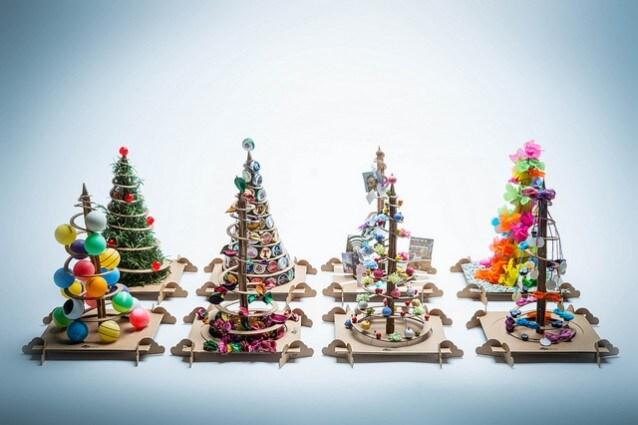 Alberi Di Natale Fai Da Te.Alberi Di Natale Fai Da Te Treebox Da Un Albero Di Cartone Ne Nasce Uno Vero