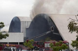 In fiamme il Latin America Memorial di Niemeyer a San Paolo (VIDEO)