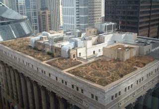 Architetture pazzesche sui tetti degli edifici del mondo