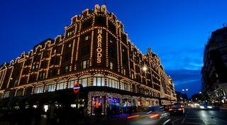 Da Londra a New York, ecco le vetrine natalizie più belle del mondo (VIDEO)