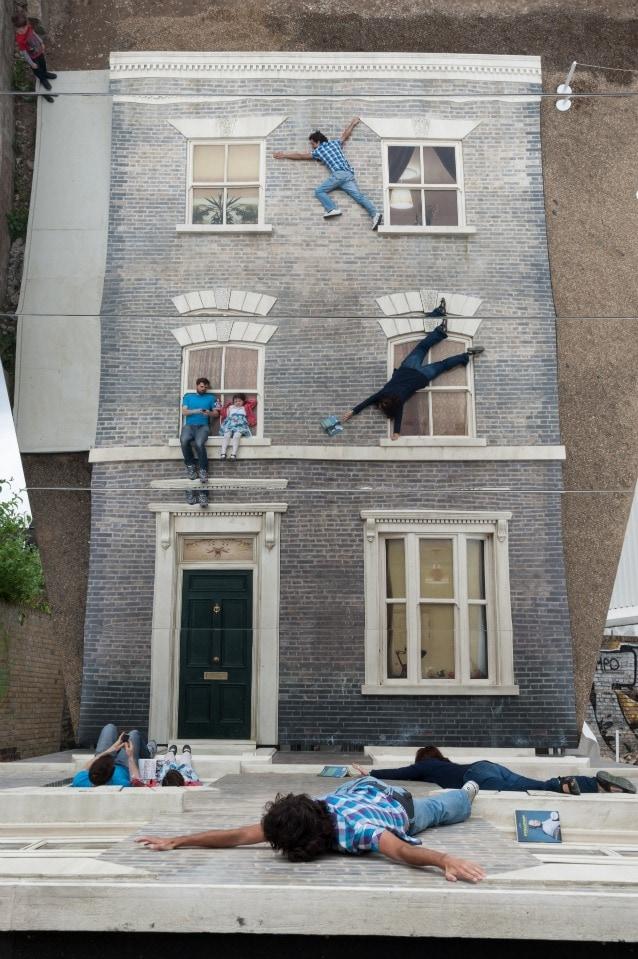 Leandro Erlich Dalston House. Photo by Gar Powell–Evans. Barbican Art Gallery
