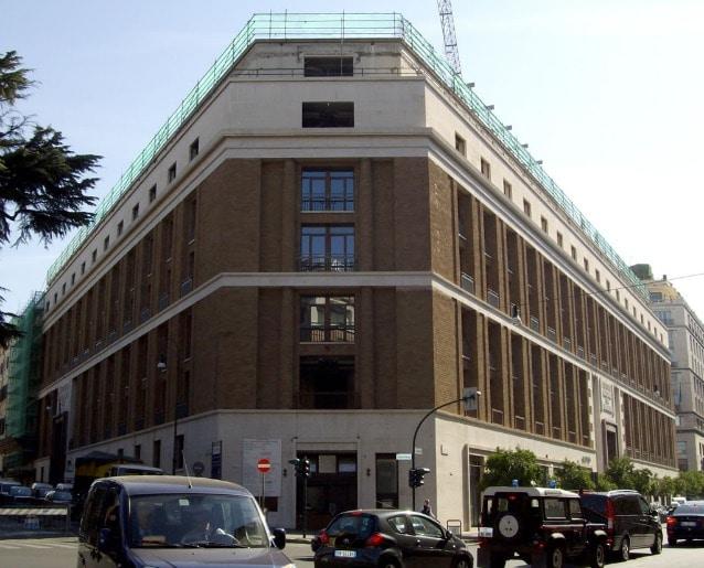 Palazzo tra via Bissolati e via Sallustiana