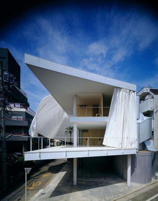 Curtain Wall House, 1995, Tokyo, Japan. Photo by Hiroyuki Hirai