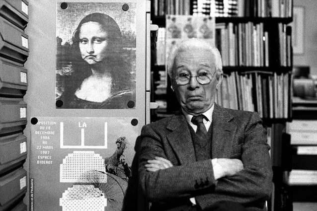 Atto, Bruno Munari nel suo studio, Milano, 1988 © Isisuf