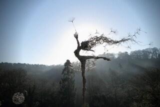 Le sculture eteree di Robin Wight: fate che danzano nel vento