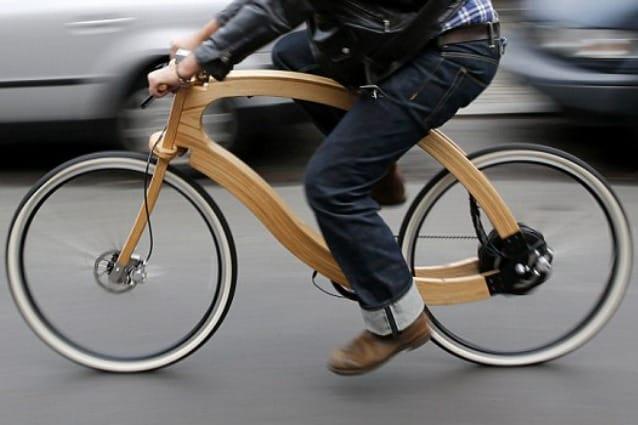 Berlino Ecco La Prima Bici Elettrica Interamente Di Legno