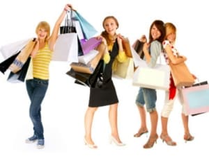 cd226b7f22b8 Shopping on line  crescita degli acquisti in rete per le grandi firme