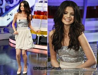 Foto di Selena Gomez, in show spagnolo con abito Alice+Olivia