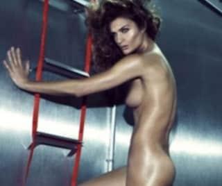Helena Kristensen, modella nuda per le Reebok Easy Tone