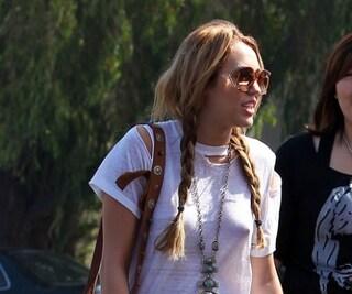 Miley Cyrus senza mutanda e senza reggiseno: scandalosa