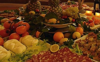 Psicologia, pensare al cibo rende sazi: fantasia combatte dipendenze a tavola