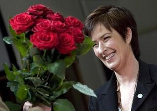 Festa della mamma, idee regalo: come fare una rosa con la stoffa