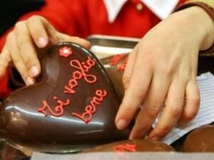 cuore al cioccolato per la festa della mamma