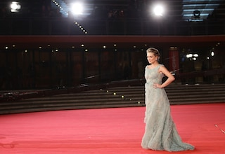 Gli abiti del Red Carpet illuminano il Festival del Cinema di Roma