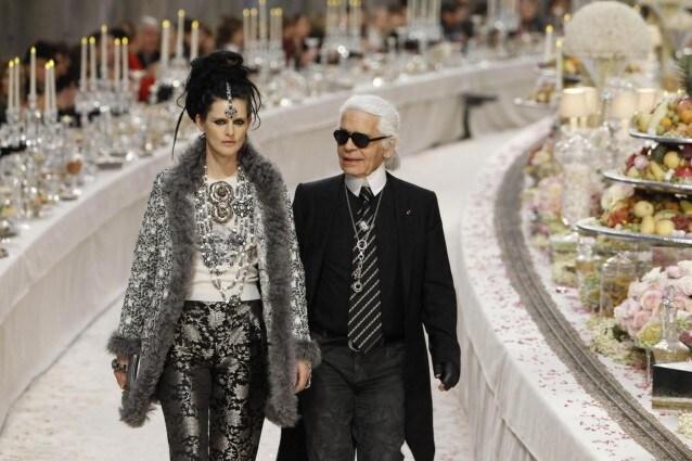 Karl Lagerfeld presenta la sua collezione per Chanel