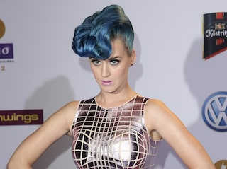 Katy Perry e le folli acconciature a colori [FOTO]