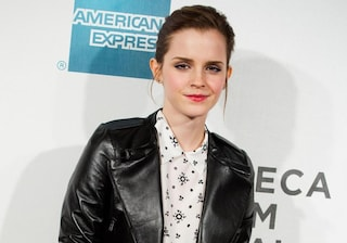 Emma Watson in Miu Miu al Tribeca Festival. I consigli per copiare il look