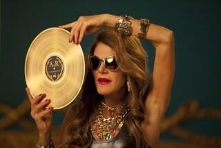 Fashion Shower, il video di Anna Dello Russo per H&M infiamma la rete