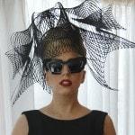 Lady Gaga fotografata nella sua suite di Hotel