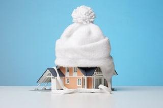 Rimedi per difendersi dal freddo dentro casa e risparmiare energia