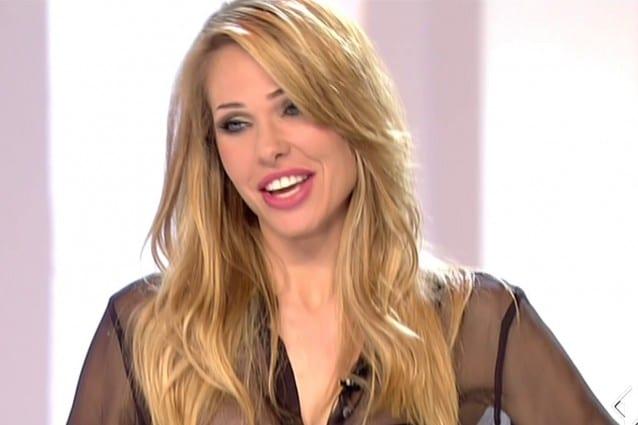 Ilary Blasi, sensuali trasparenze per la settima puntata de Le Iene
