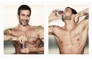 Marc Jacobs si mette a nudo per il nuovo spot di Coca Cola Light (VIDEO)