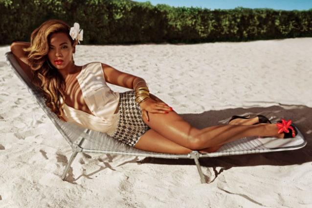 Beyoncé sexy per H&M, in esclusiva le prime immagini della campagna