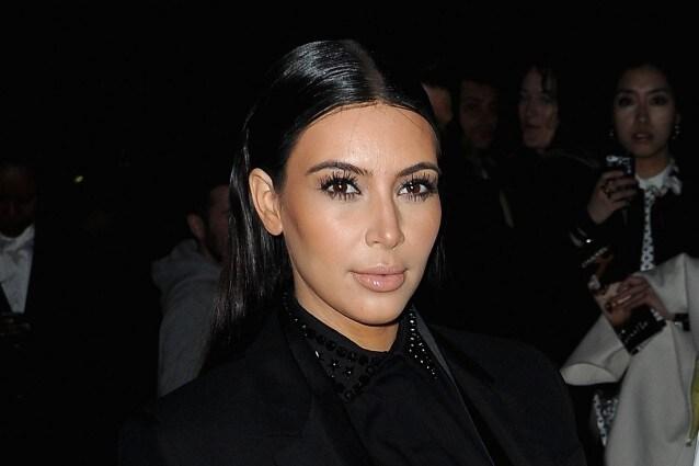 Kim Kardashian cambia look e diventa sobria