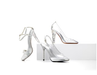 La scarpetta di Cenerentola diventa realtà nella nuova collezione di Stuart Weitzman