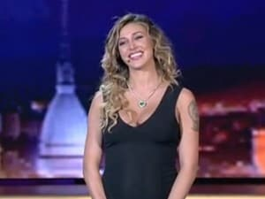 """Belen, sexy scollatura per la prima semifinale di """"Italia's Got Talent"""""""