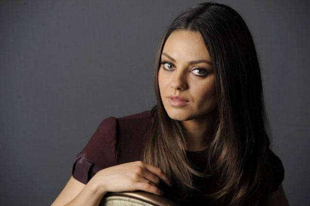 Copia il look di Mila Kunis con abiti e accessori low cost