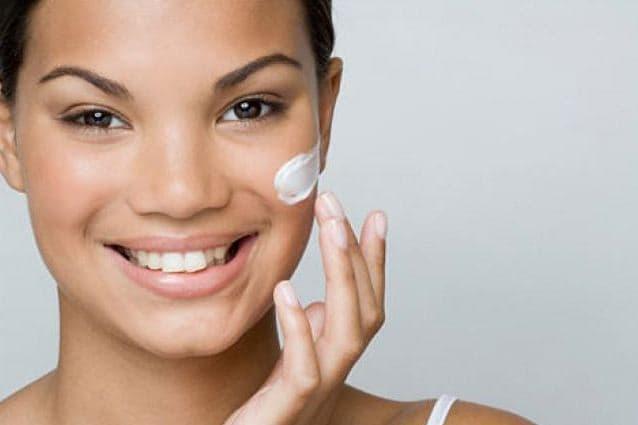 """Fattore """"feel good"""": i cosmetici aiutano a farci stare bene"""