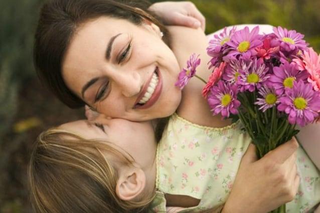 E' la Festa della Mamma, un giorno molto importante: ecco 9 buoni motivi per ricordarsi perché è importante dire grazie alla propria mammina.