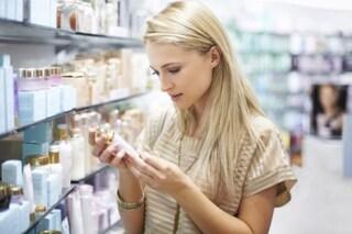 Cosmetici: nuove etichette e stop alle pubblicità ingannevoli