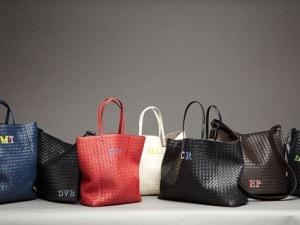 """dee8c55a9621 Bottega Veneta presenta il progetto """"Initials"""" nella propria boutique di  Firenze"""